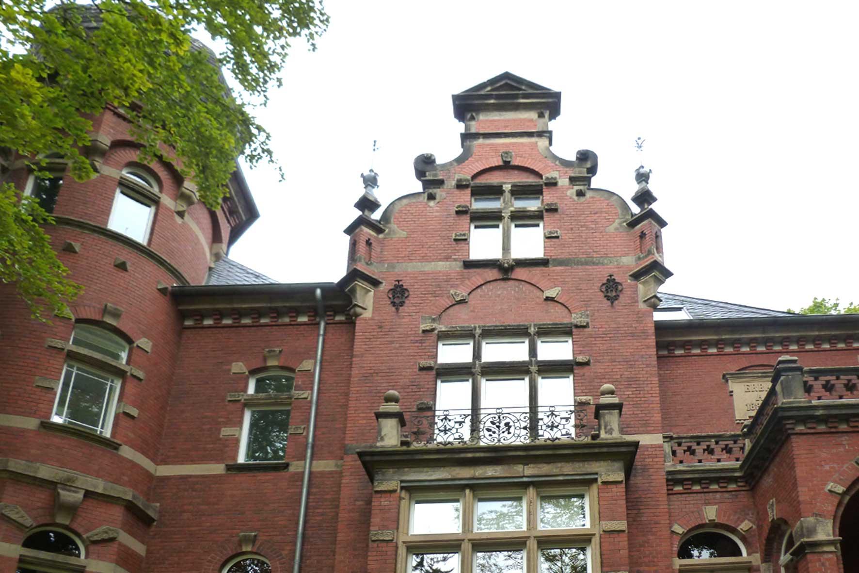Neubauten und Kinderspielplatz nähe Haus Buchwald