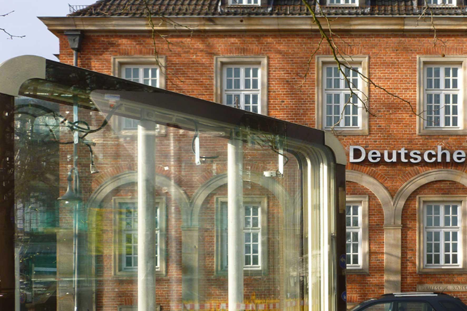Vor der deutschen Bank