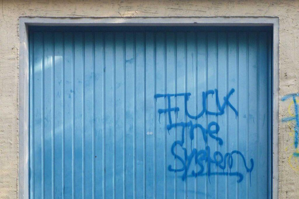 systemkritik
